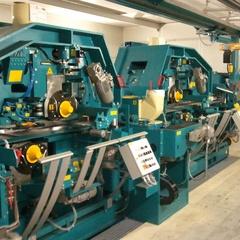 Wood processing machine